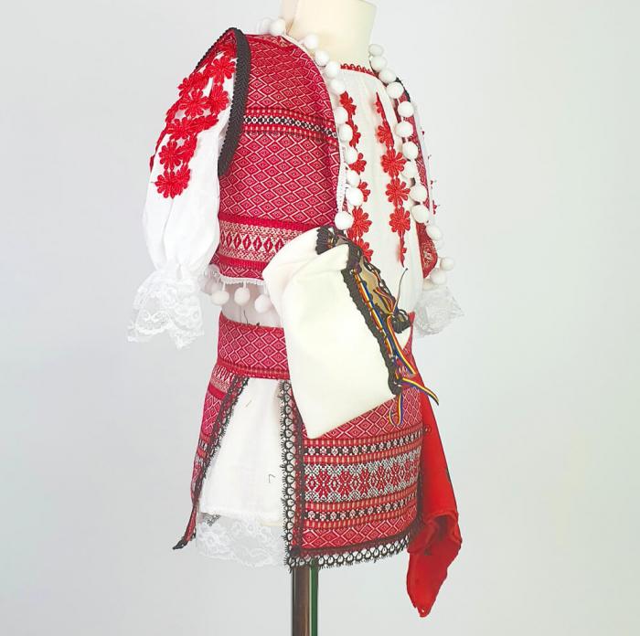 Costum Traditional Fetite Catalina 4 [1]