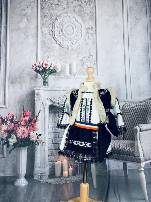 Costum Traditional Fetite Marita 2 [2]