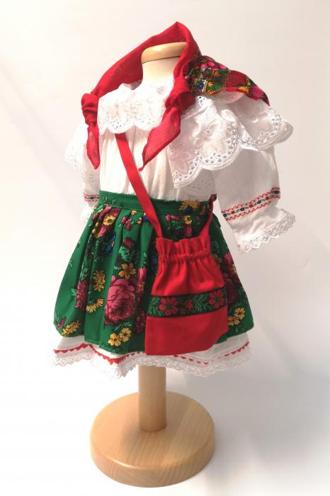 Costum Traditional Fetite Verde – 4 piese (1-6 ani ) 0
