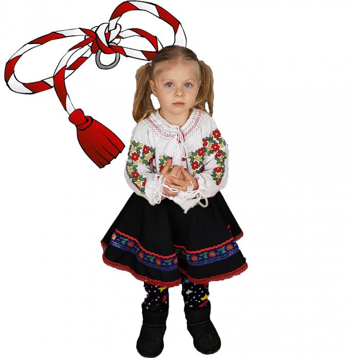 Ie Traditionala fetita cu Floricele [1]