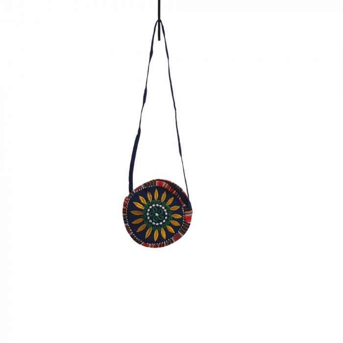 Geanta stilizata cu motive traditionale cu floare 4 [1]