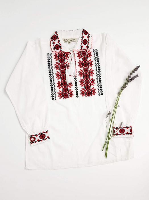 Ie Traditionala baieti Alin 1