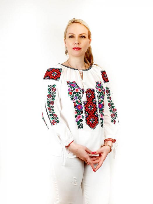 Ie traditionala Cornelia 2