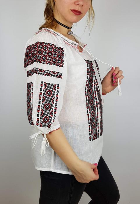 Ie Traditionala Ilona [3]