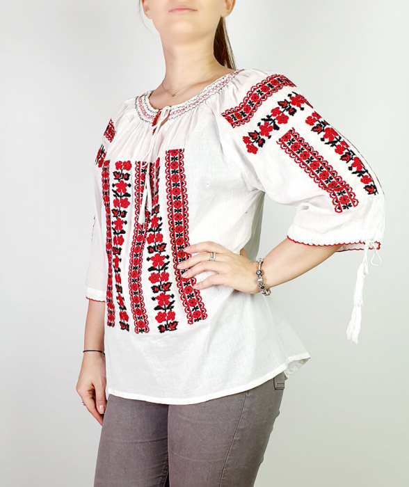 Ie Traditionala Oxana [2]