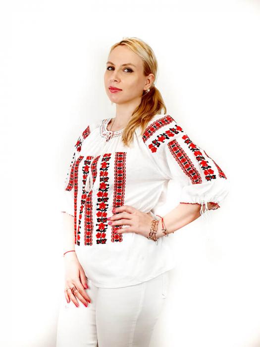 Ie Traditionala Oxana [0]
