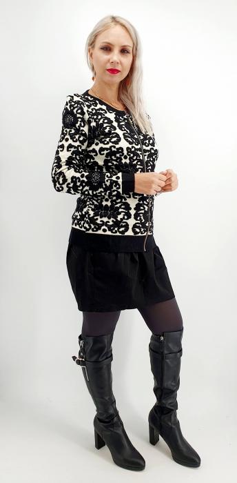 Jacheta dama cu model in relief [2]