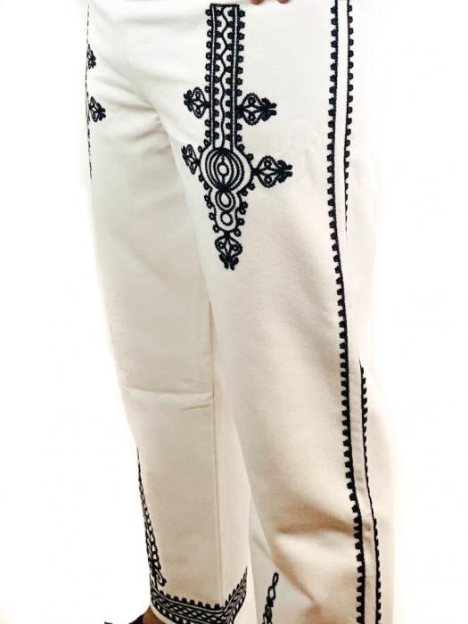 Pantaloni cu broderie pentru barbati [4]