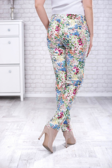 Pantaloni eleganti cu motive florale [1]