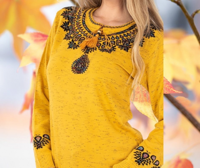 Pulover Dama cu motive traditionale galben [2]