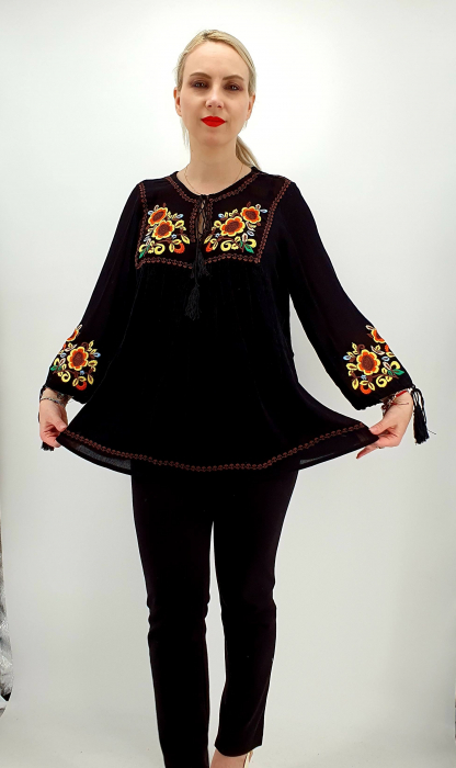 Bluza stilizata traditional Olivia 5
