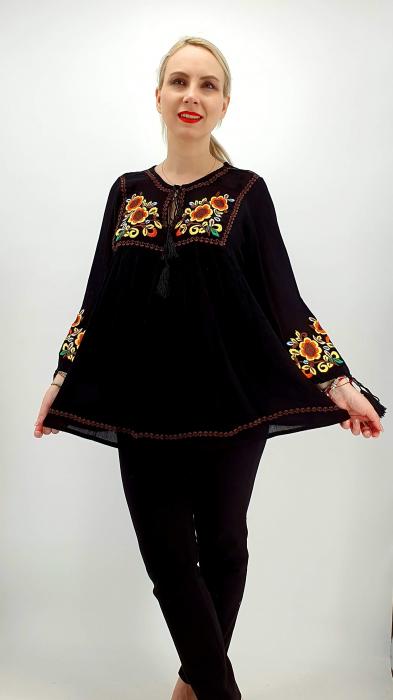 Bluza stilizata traditional Olivia 4