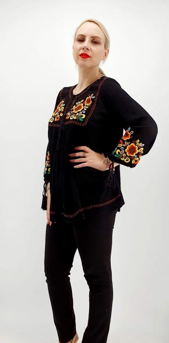 Bluza stilizata traditional Olivia 1