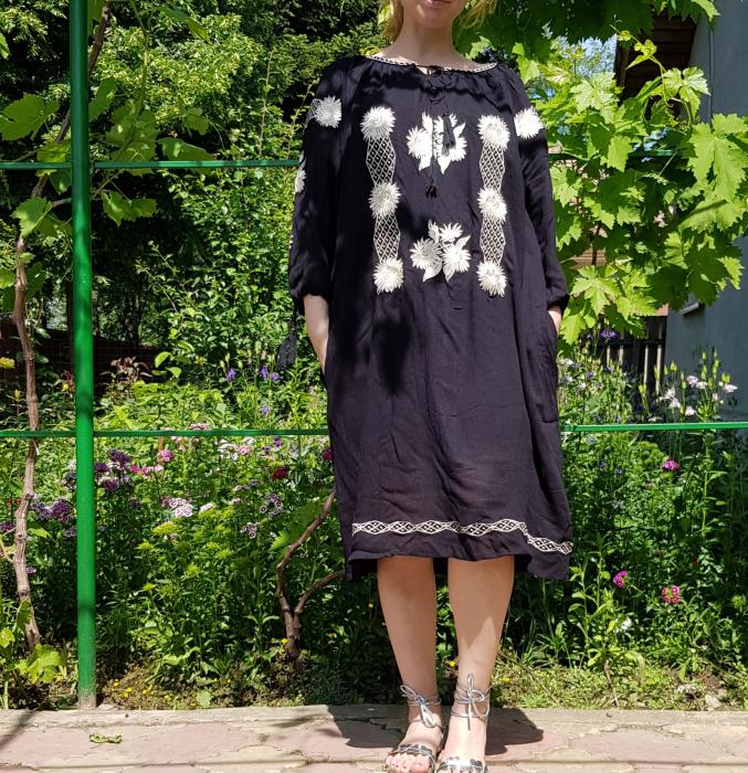 Rochie Traditionala Brodata Floarea Soarelui 3 [0]