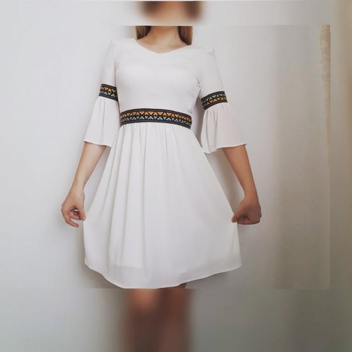 Rochie stilizata cu motive traditionale Ioana [3]
