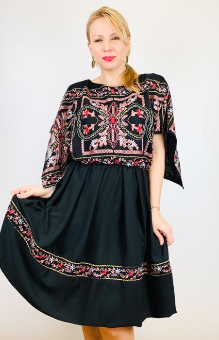Rochie stilizata cu motive traditionale - Kara [0]