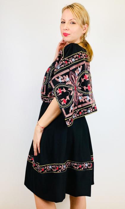Rochie stilizata cu motive traditionale - Kara [2]
