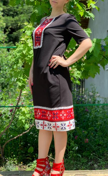 Rochie stilizata cu motive traditionale Madi 5 [0]