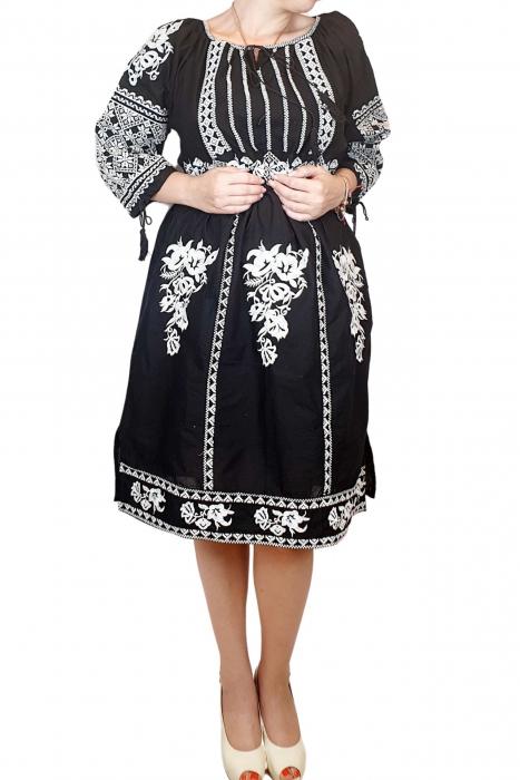 Rochie traditionala Isabela [3]