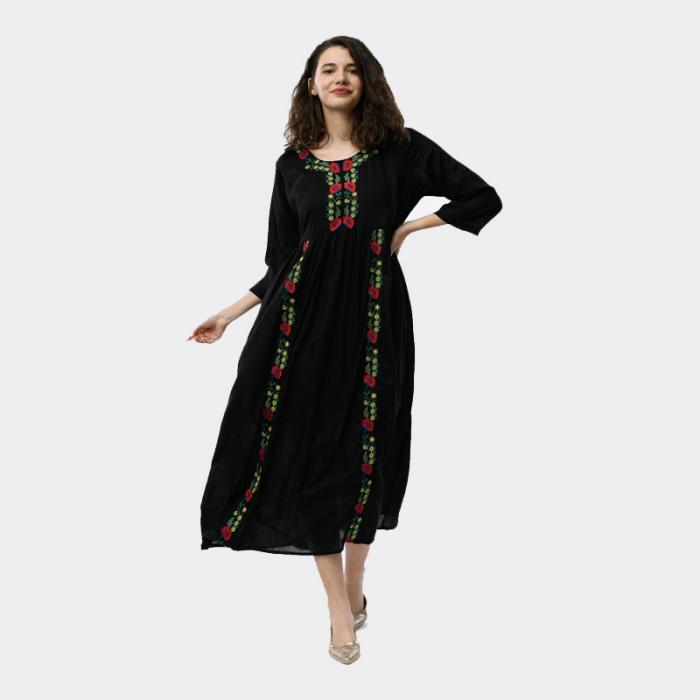 Rochie Traditionala lunga negru cu broderie florala [0]