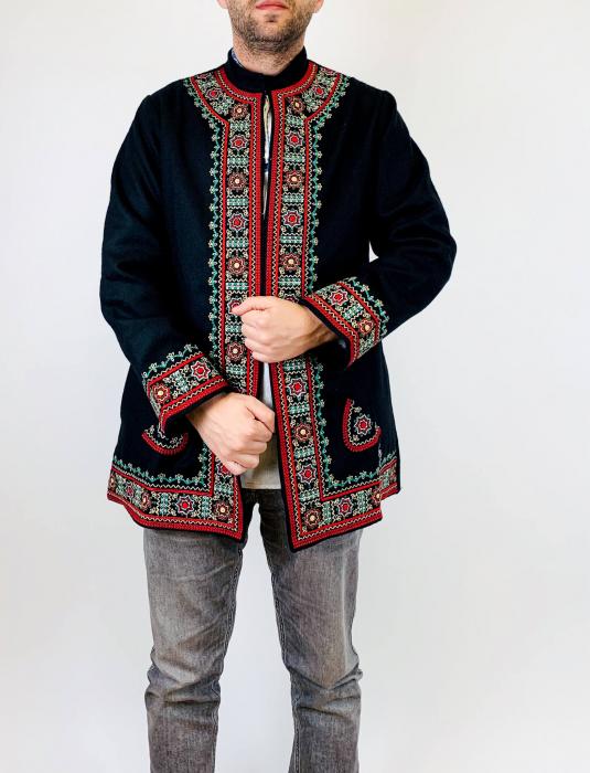 Sacou Negru Brodat - Valeriu 3 [1]
