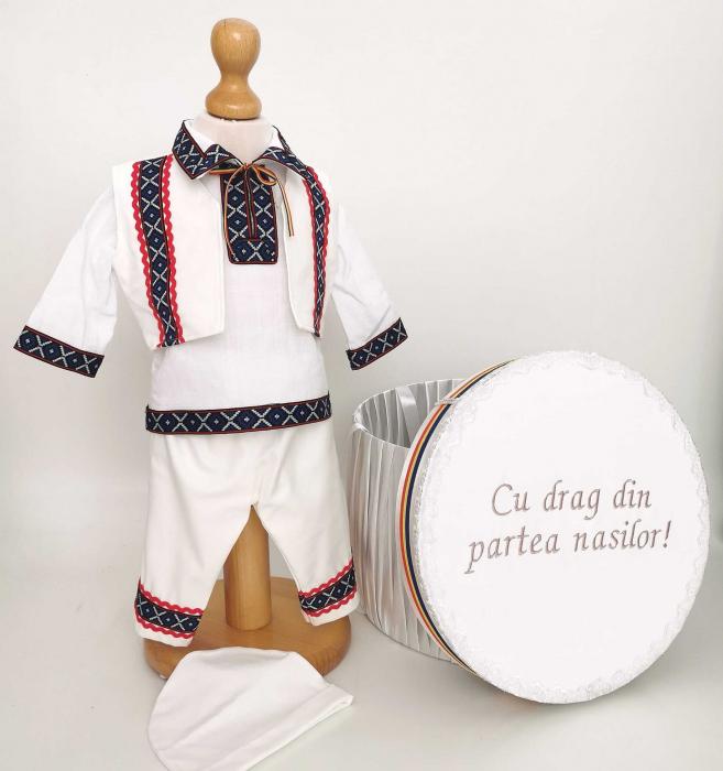 Set Botez Traditional Adi 9 – 2 piese / costumas traditional si cufar brodat botez [0]