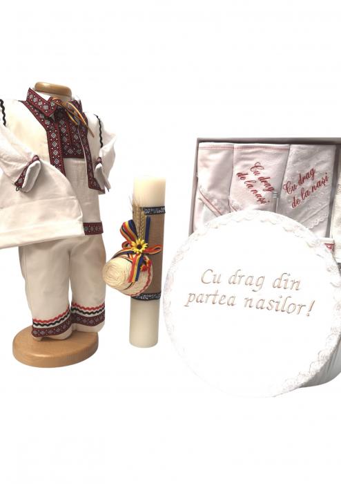 Set Botez Traditional Adi 2 – 4 piese / costumas, lumanare, cufar brodat, trusou brodat [0]