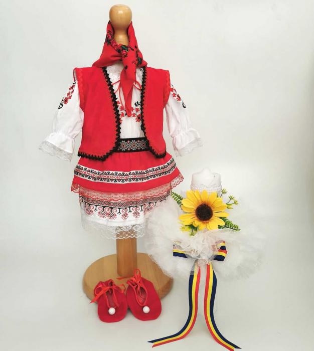 Set Botez Traditional – Costum Traditional Muna 11 - 2 piese / costumas si lumanare [0]