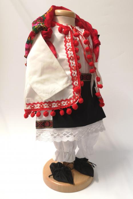 Set Botez Traditional – Delia – 4 piese / costumas , lumanare, trusou si cufar 1