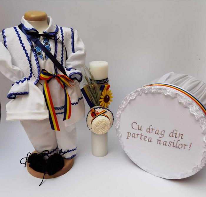 Set Botez Traditional Raul 14 - 3 piese / Botez Traditional : costumas, lumanare si cufar [0]