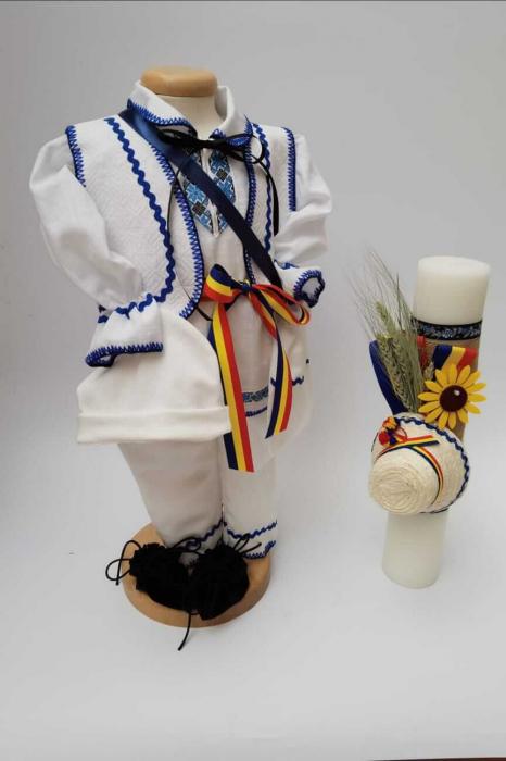 Set Botez Traditional Raul 19 / lumanare si costumas [0]