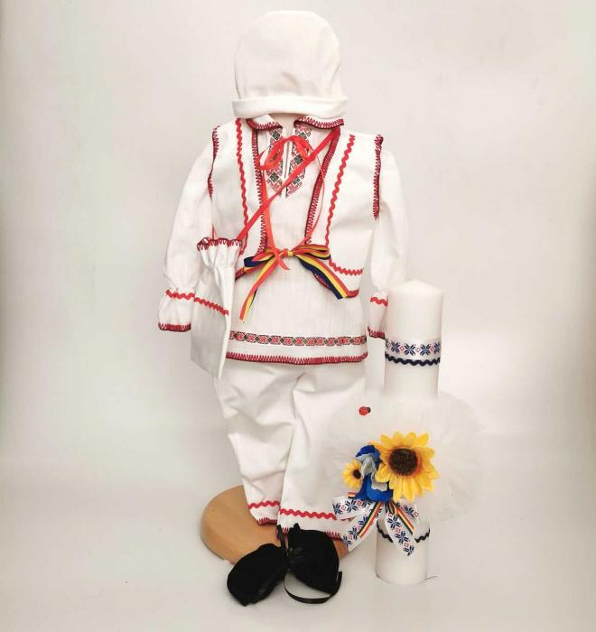 Set Costum National Victoras 8 si Lumanare Botez Traditional [0]