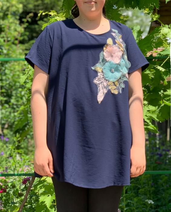 Tricou cu Flori aplicate - bleumarin [0]