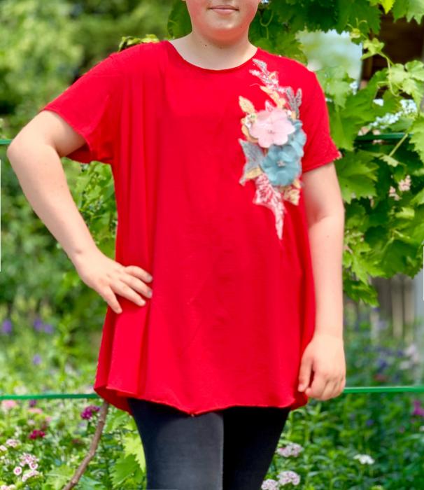 Tricou cu Flori aplicate - rosu [0]