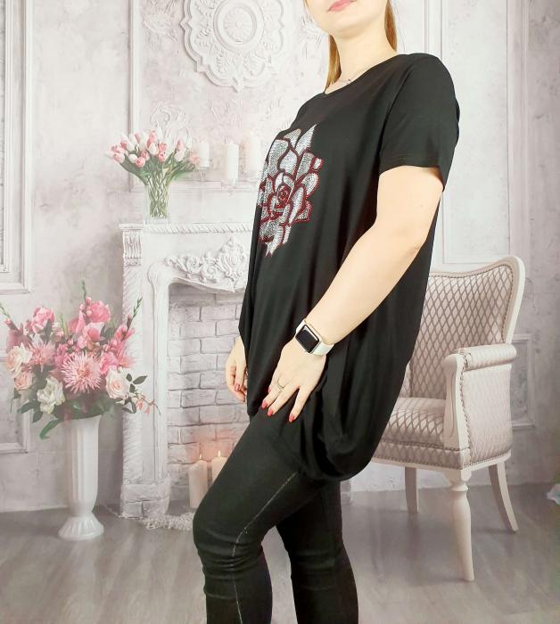 Tricou negru cu strasuri 3 [1]