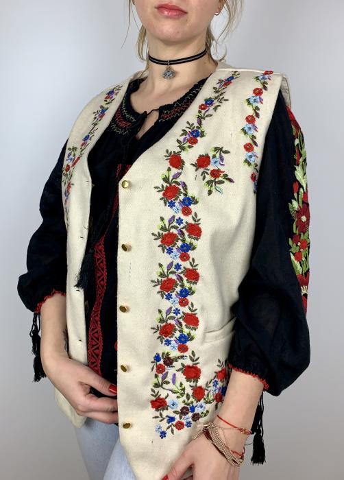 Vesta Traditionala Roza 2 0