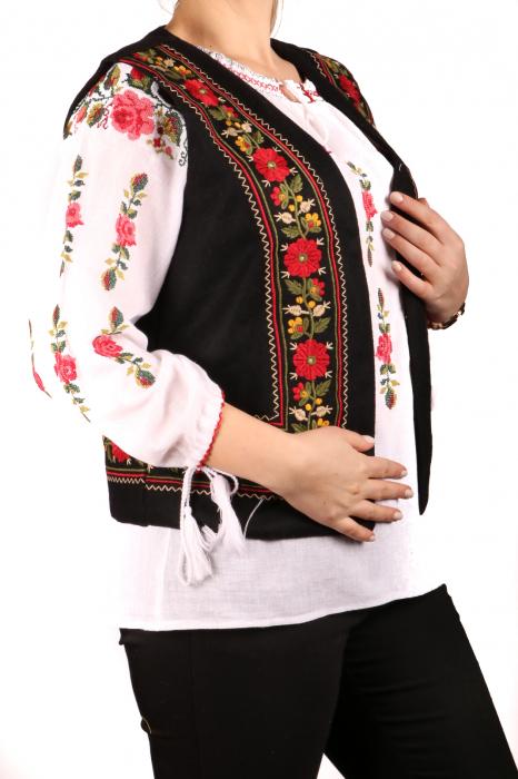 Vesta brodata - Suzana 5 1