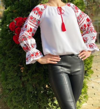 Bluza stilizata cu motive traditionale Margareta [3]