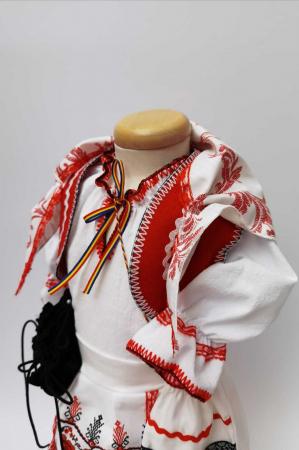 Costum national fetite - Mira 2 [4]