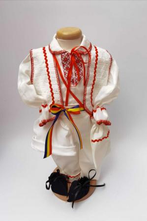 Costum National Victoras 5 [1]