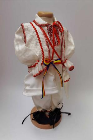 Costum National Victoras 5 [2]