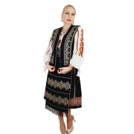 Costum Popular cu broderie traditionala Toni [9]