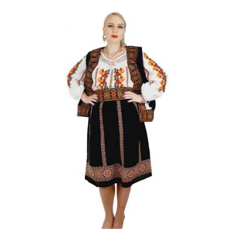 Costum Popular cu broderie traditionala Valentina [6]