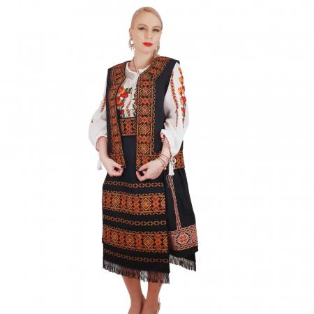 Costum Popular cu broderie traditionala Valentina [2]