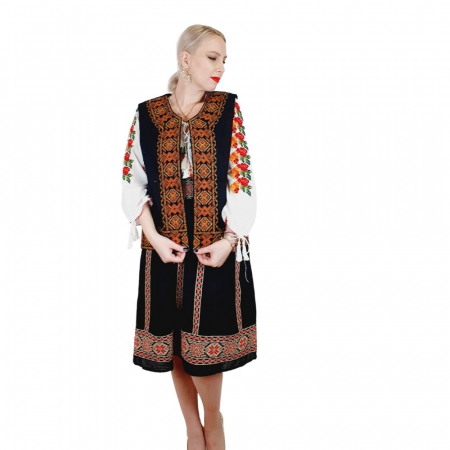 Costum Popular cu broderie traditionala Valentina [7]