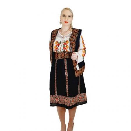 Costum Popular cu broderie traditionala Valentina [4]
