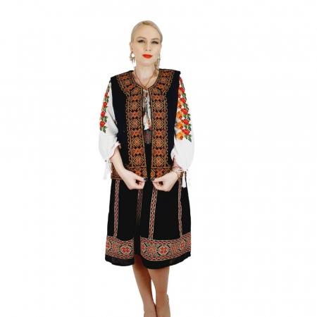 Costum Popular cu broderie traditionala Valentina [8]