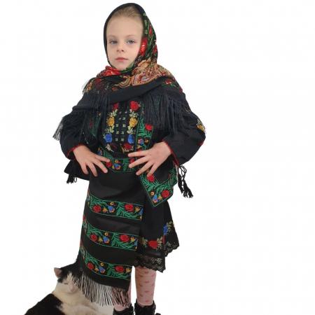 Costum traditional fetite Mira2