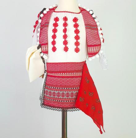Costum Traditional Fetite Catalina 4 [3]