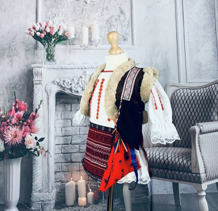 Costum Traditional Fetite Marita [2]